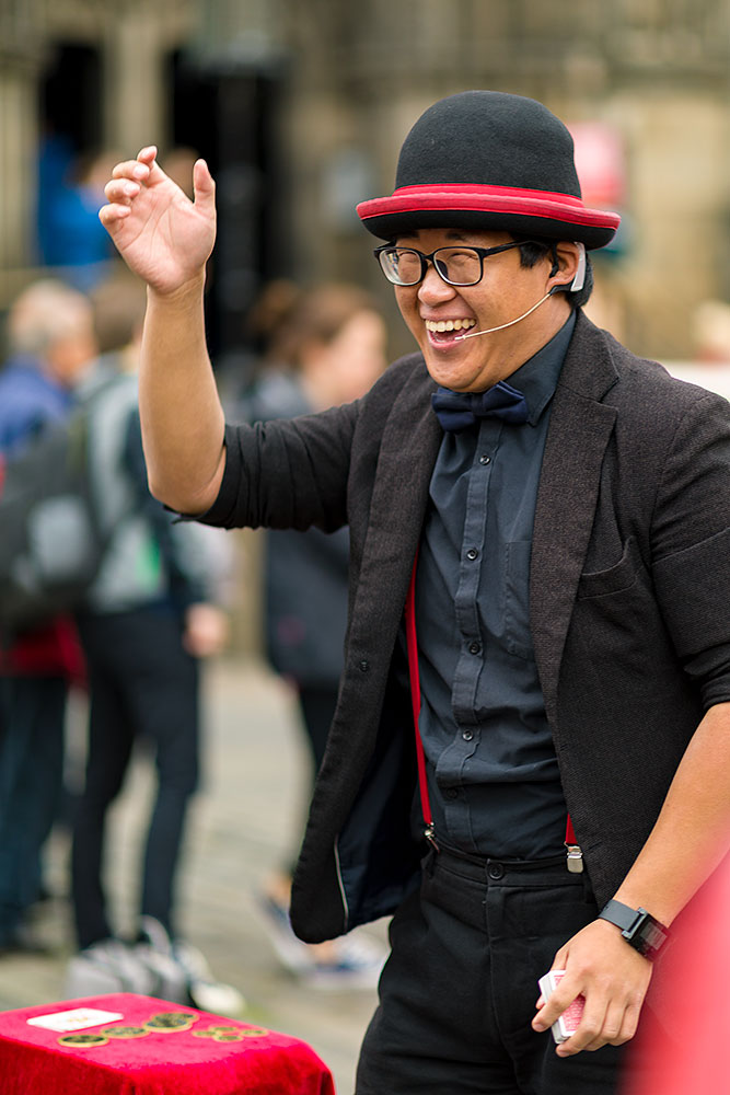 IMAGE: http://www.capnfishy.co.uk/wp-content/uploads/2018/08/RoyalMile23Aug18_2207.jpg