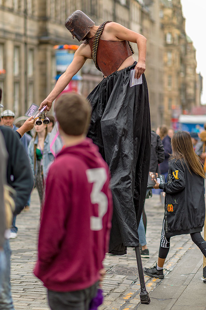 IMAGE: http://www.capnfishy.co.uk/wp-content/uploads/2018/08/RoyalMile23Aug18_2264.jpg
